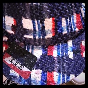 BN authCHANEL Red blue white tweed baseball hat !